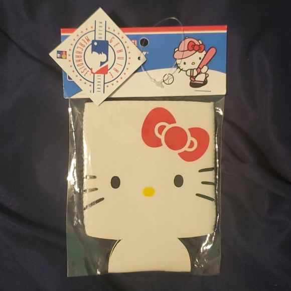 Hello Kitty Other - Yankees hello kitty can coozie